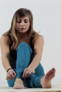 fae2d50c6429 ... Vorschau  Yogahose mit langen Fußbündchen von Leela Cotton. Leela  Cotton Yogahose in schwarz aus Bio-Baumwolle mit Elasthan