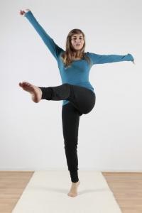 51672673bffa ... Bio-Baumwolle mit Elasthan · Vorschau  Yoga Hose ökologisch in schwarz  von Leela Cotton · Vorschau  formstabile Damenhose für Yoga, Sport und  Wellness ...