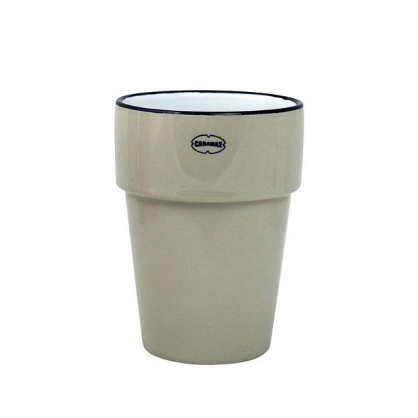 Milch oder Kaffeeebecher aus Keramik in grau